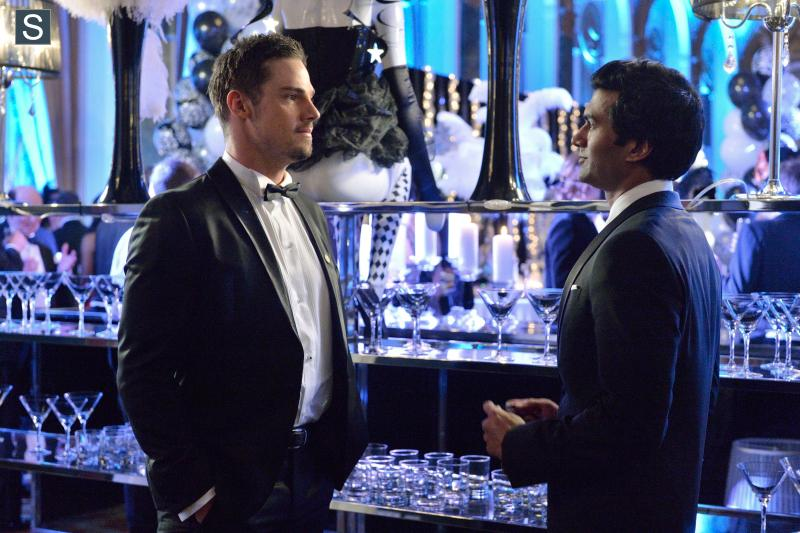 Beauty And The Beast Date Night 1x22 Craveyoutv Tv Reviews