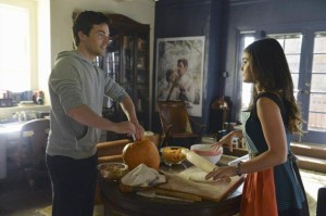 xcleaning-the-pumpkin-pretty-little-liars-s5e12.jpg.pagespeed.ic.D2GbTxLE1Z