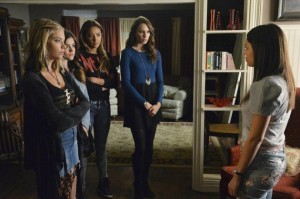 xconfronting-mona-pretty-little-liars-s5e12.jpg.pagespeed.ic.EtyzMQ2Ih6