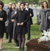 Chasing Life- The Ghost In You (2×08)
