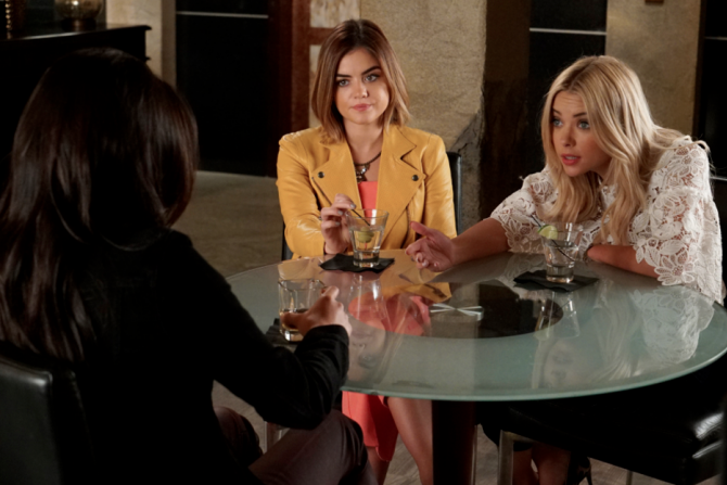 Pretty Little Liars Where Somebody Waits For Me