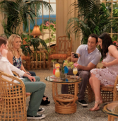 Young & Hungry – Young & Hurricane (4×02)