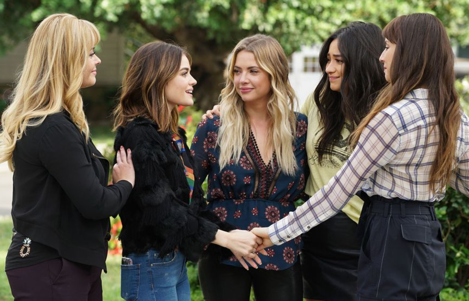 Pretty Little Liars Farewell, My Lovely