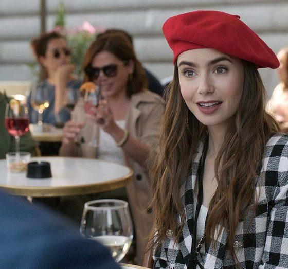 Emily in Paris Review Netflix