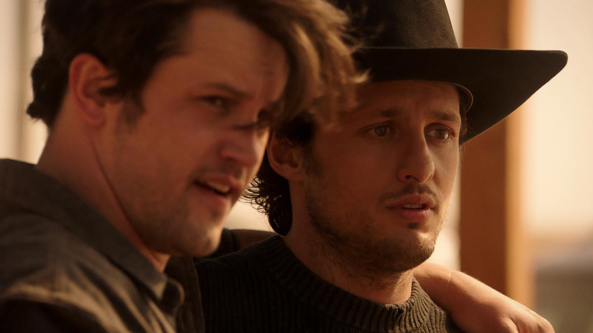 Roswell, New Mexico Season Premiere Review Hand Season 3 Episode 1